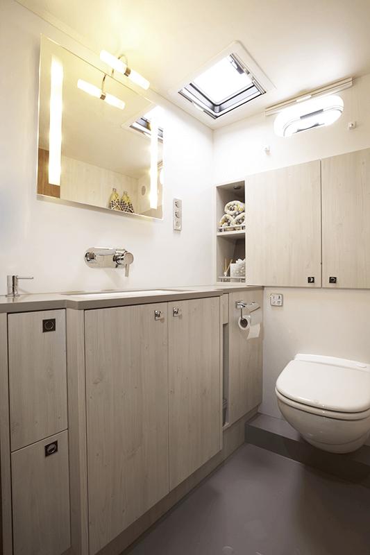 Eigner Bad Mit WC, Waschbecken U0026 Dusche